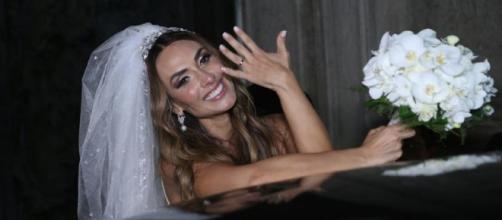 Nicole Bahls e Marcelo Bimbi subiram ao altar na noite de terça-feira (4), no Rio de Janeiro. (Reproduçao/Internet)