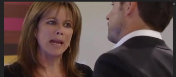 Alexis helps Julian deal with Kiki's death. (Image Source: GH Worldwide Voice of the Fans- Youtube.)
