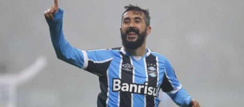 De saída do Grêmio, Douglas pode reforçar o Flu em 2019 (Foto: Lucas Uebel/Grêmio)