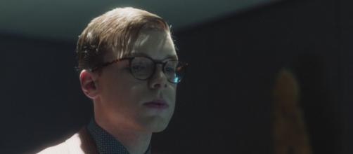 Gotham, nuova promo per la serie Fox: Jeremiah si trasforma nel Joker.