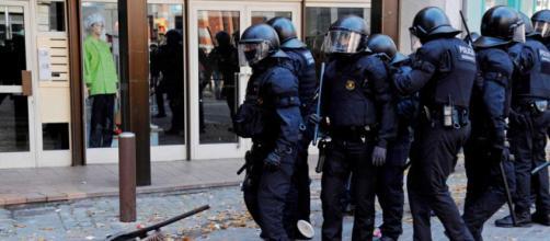 Mossos en la manifestación. Foto: RTVE