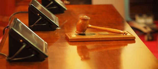 l giudice è accusato di aver avuto rapporti sessuali con più avvocatesse