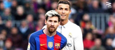Leo Messi e Cristiano Ronaldo [Imagem via YouTube]