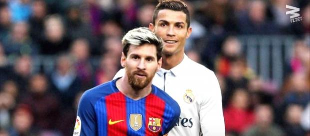 Leo Messi e Cristiano Ronaldo [Imagem via YouTube]