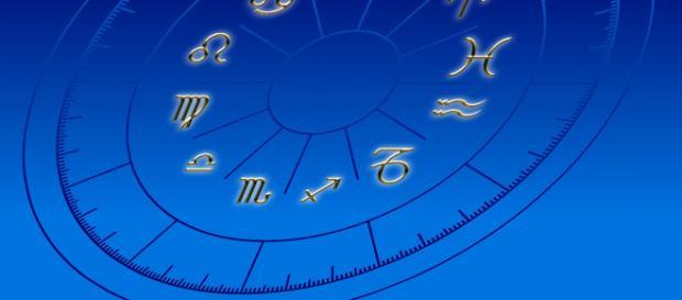 Oroscopo del week end, 8 e 9 dicembre: serenità e positività per i Gemelli e Scorpione