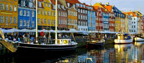 Copenhagen is an exciting city with many unusual and interesting attractions. [Image GuoJunjun/Wikimedia]
