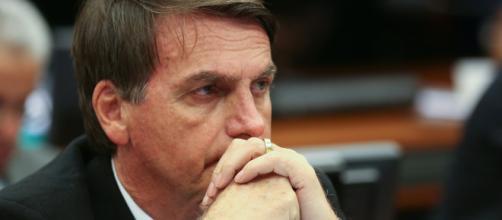 Bolsonaro não declarou dinheiro de ex-assessor