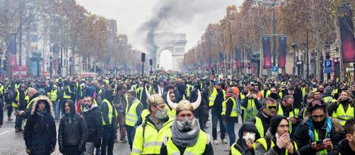 In Francia i gilet gialli tornano in piazza