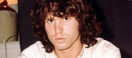 Singer Jim Morrison is among the famous people born on December 8. [Image via The Doors/YouTube]