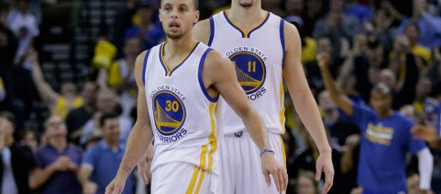 Steph Curry does his best Klay Thompson, finishes Warriors' rally ... - sportingnews.com