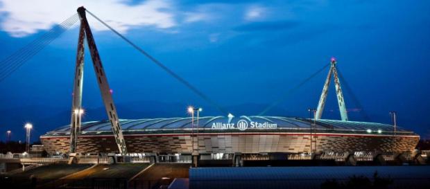 Tifosi dell'Inter devastano settore ospiti al termine del derby d'Italia.