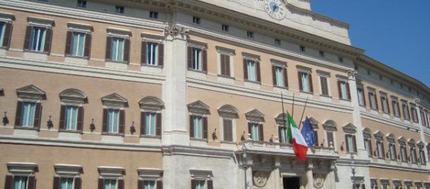 Un deputato leghista e una collega grillina avrebbero consumato rapporti osé in un bagno di Montecitorio