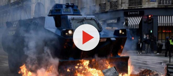 Protestas de Chalecos Amarillos dejan más de 1.000 detenidos en Francia