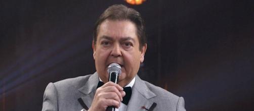 Fausto Silva apresentou a atração e anunciou os vencedores (Reprodução/Rede Globo).