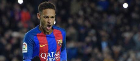 Neymar diz que ainda tem dinheiro a receber do Barcelona