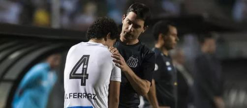 Jogador se machucou no duelo contra o Santos