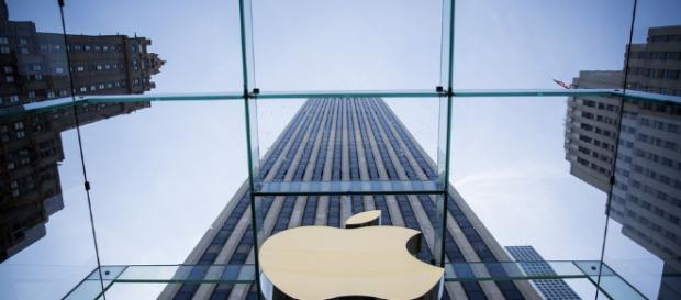 Apple faces government investigation - (via mashable.com)