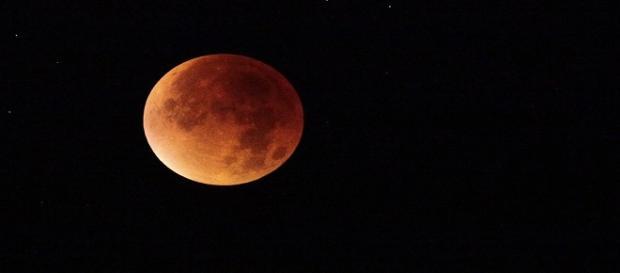 Febrero, un mes de eclipse lunar