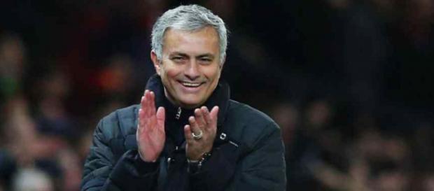José Mourinho está treinando agora o Manchester United
