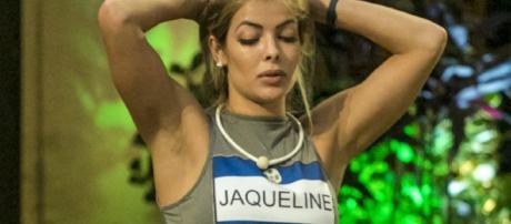 Jacqueline se llevó tremenda decepcion al saber que su club de fans es de 3 personas