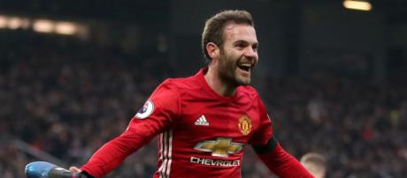 Juan Mata reveals that he wants to play football until the age of 40 - image Daily Mail