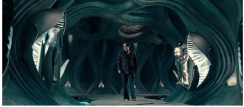Aquí hay una captura de pantalla del traje negro de Superman en el costado para aquellos que quieran mirarlo fijamente.