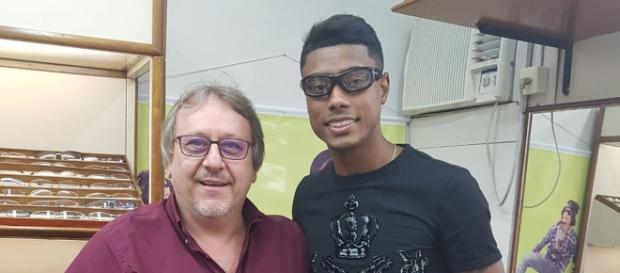 Bruno Henrique terá que jogar com um óculos de proteção