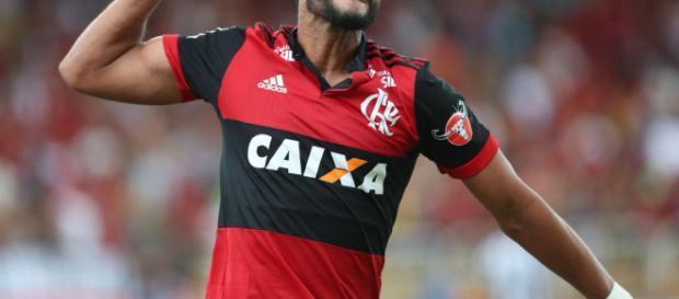 Ceifador marca na estreia e Flamengo vai à final da Guanabara