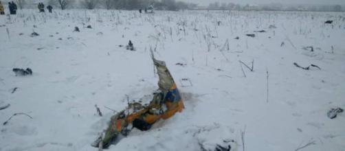 Mueren las 71 personas que viajaban a bordo de un avión cerca de Moscú