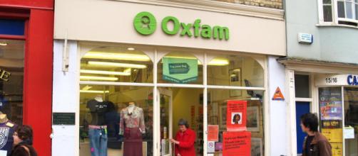 Stupri e molestie, lo scandalo travolge i vertici di Oxfam