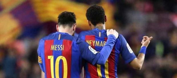 Leo Messi e Neymar mantêm contato quase diário