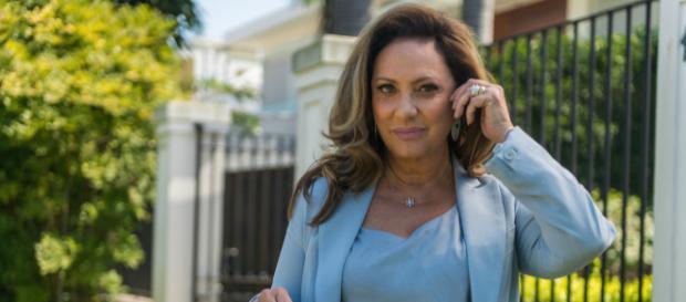 Nádia expulsa Gustavo de casa e se vinga transando com Odair (Foto: TV Globo)