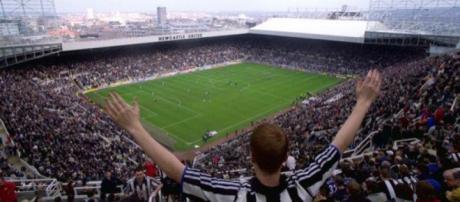 El Newcastle United Football Club es un club de fútbol con sede en Newcastle-upon-Tyne