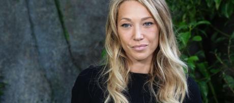 Laura Smet veut contester le testament de son père Johnny Hallyday - rtl.fr