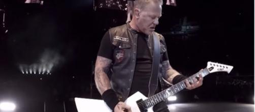 El director realmente lanzó a James Hetfield para estar en la película