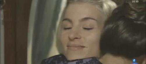 Una Vita: Cayetana ha baciato Teresa