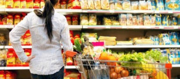 Ahora más que nunca ¿cómo te beneficia comprar cosas que no necesitas?