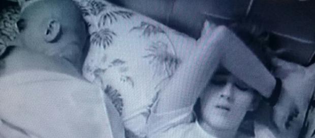 Ana Clara é vista chorando por causa do pai