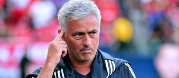José Mário dos Santos Mourinho Félix, entrenador portugués de fútbol.