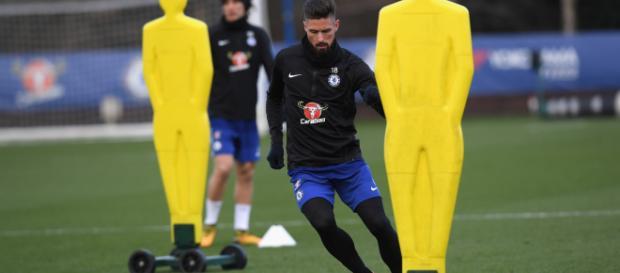 Olivier Giroud durante una sesión de entrenamiento en Cobham