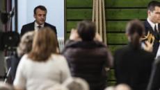 Emmanuel Macron en mode séduction sur le terrain de l'agriculture