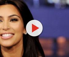 Kim Kardashian está muito feliz com sua nova cinturinha