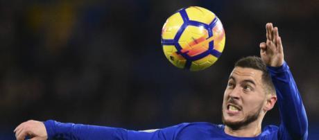 Hazard fez a diferença a favor dos Blues com dois golaços