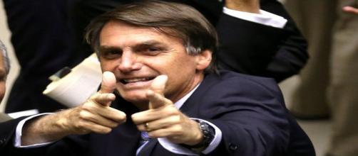 Bolsonaro quer metralhar a Rocinha