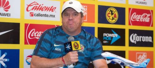 'Piojo' tuvo como cada semana descartar a dos de sus jugadores extranjeros.