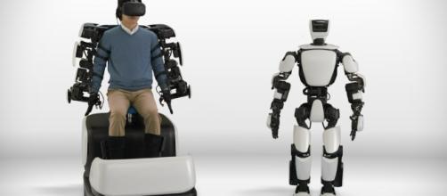 T-HR3 el robot humanoide de Toyota con la capacidad de replicar movimientos.
