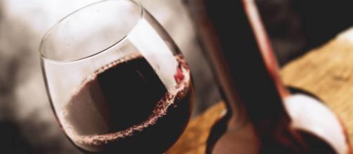 Vinos: Por qué siempre debes pedir el vino más barato, según un ... - elconfidencial.com