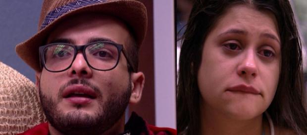 Mahmoud e Ana Paula brigam e o sexólogo humilha bruxinha