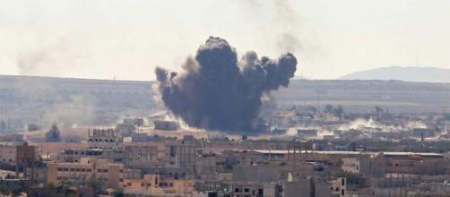 Bombardeo en Siria contra escuela dejó al menos 33 civiles muertos ... - ambito.com