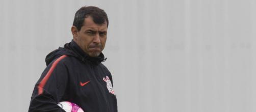 Carille seguirá trabalhando no Corinthians